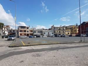 Ottaviano – La gang di piazza Mercato assalta una coppia in auto